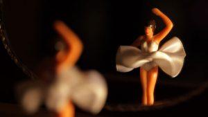 """Zur ARTE-Sendung Bipolar - Auf einem anderen Stern 3: Bipolare Störungen zeichnen sich durch extreme Gefühlsschwankungen aus: Betroffene durchleben einen ständigen Wechsel von euphorischen und depressiven Phasen. © Zeugma Foto: ARTE France Honorarfreie Verwendung nur im Zusammenhang mit genannter Sendung und bei folgender Nennung """"Bild: Sendeanstalt/Copyright"""". Andere Verwendungen nur nach vorheriger Absprache: ARTE-Bildredaktion, Silke Wölk Tel.: +33 3 881 422 25, E-Mail: bildredaktion@arte.tv"""